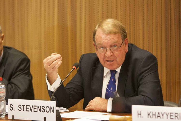 Struan Stevenson speaking at a seminar on situation of human rights in Iran after the recent uprisings.