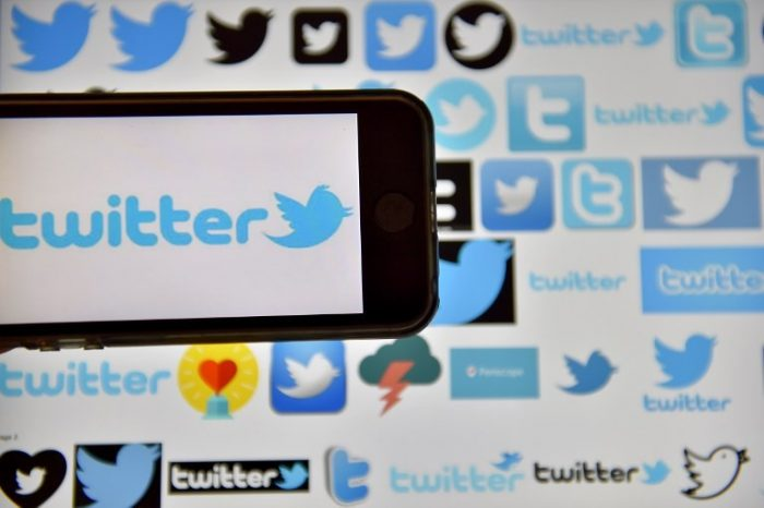 Iranian regime's fake accounts in Twitter to demonize MEK