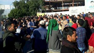 Haft-Tappeh workers continue strike for 26th day.