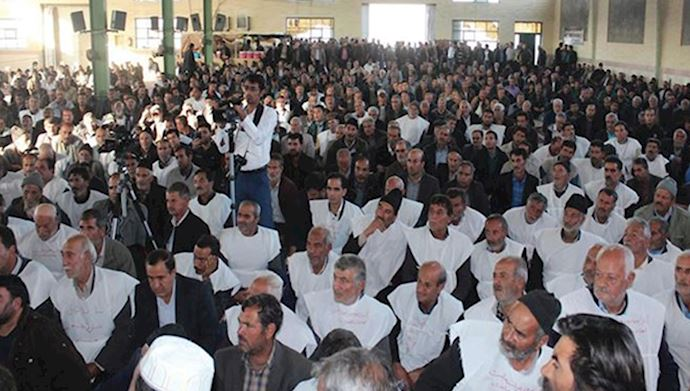 Isfahan farmers protest their rights to water