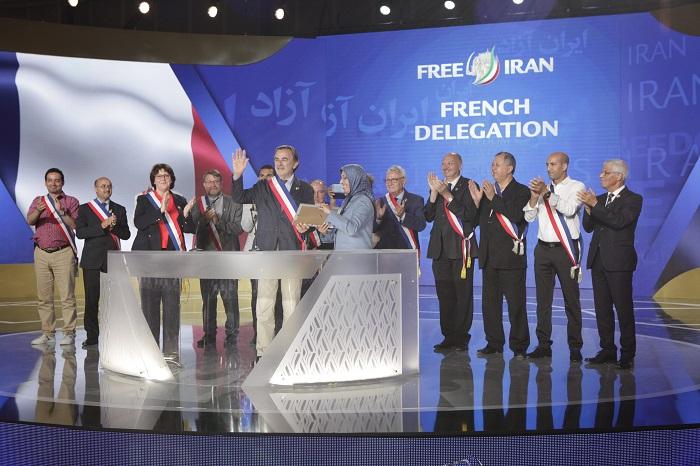 French delegation addressing the MEK members in Ashraf 3